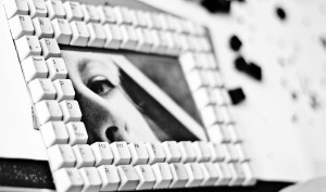 Mala Reciklarnica - Okvirji iz tipkovnic (foto Polona Eržen)